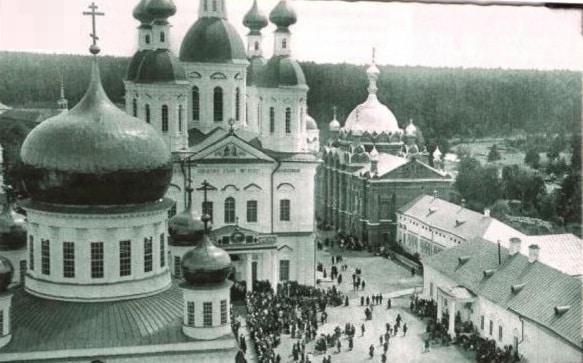 Святые храмы обители. Фото 1903 г. (РГАКФД).