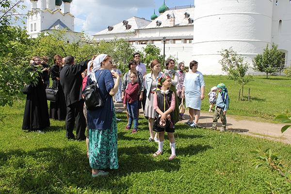 В Митрополичьем саду.