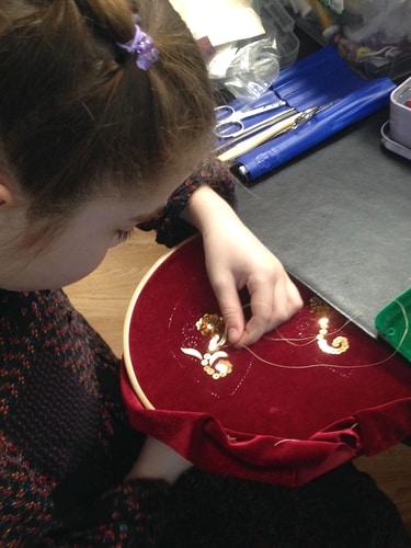 3_ Золотное шитье-работа