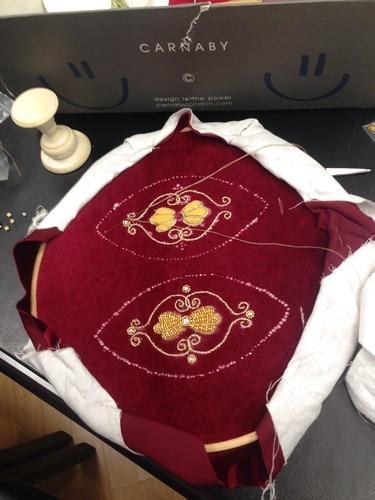 5_ Золотное шитье-работа на пяльцах