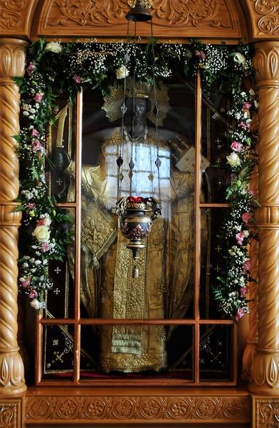 Резной образ святителя Николая (Можайского)