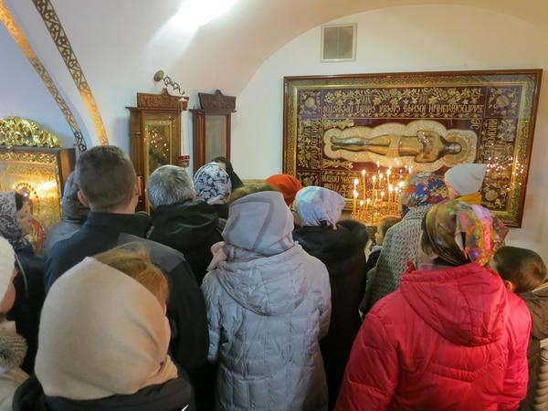 В монастыре находится старинная плащаница Спасителя, богато украшенная золотной вышивкой.